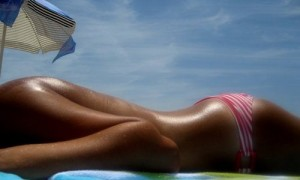 Влияние ультрафиолета на кожу не прекращается после ухода с солнца.