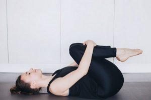 Упражнения при ПМС - снимаем вздутие